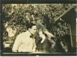 circa 1919 HandB with Parrot pandp