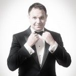 Robert Strong Magician & Comedian